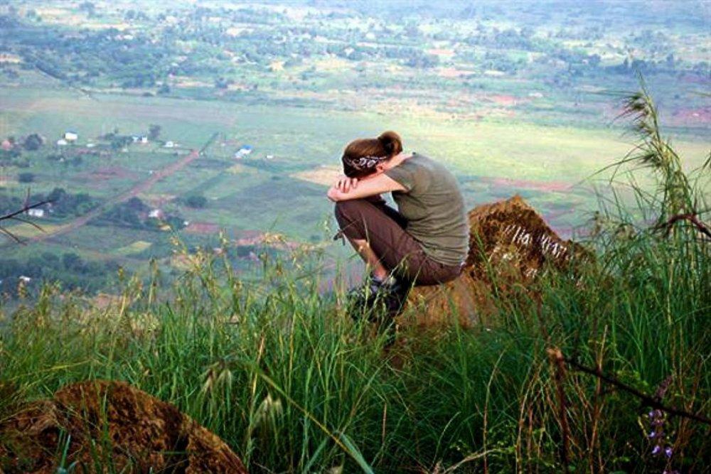 woman-praying-from-mountain.thumb.jpg.33f6507b115c3d5eea973a3cf9c3bfa8.jpg