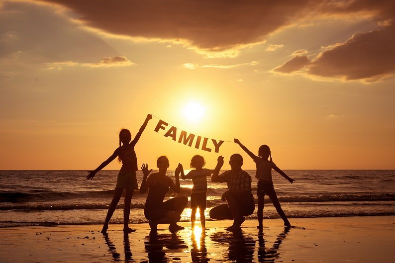 family-2.jpg.be1dc88bdfb1c46559ecc80fb41326a1.jpg
